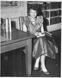 FlanneryOConnorWithBooks