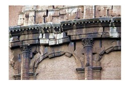 Roma_il_coloseo_des_fragments_de_te